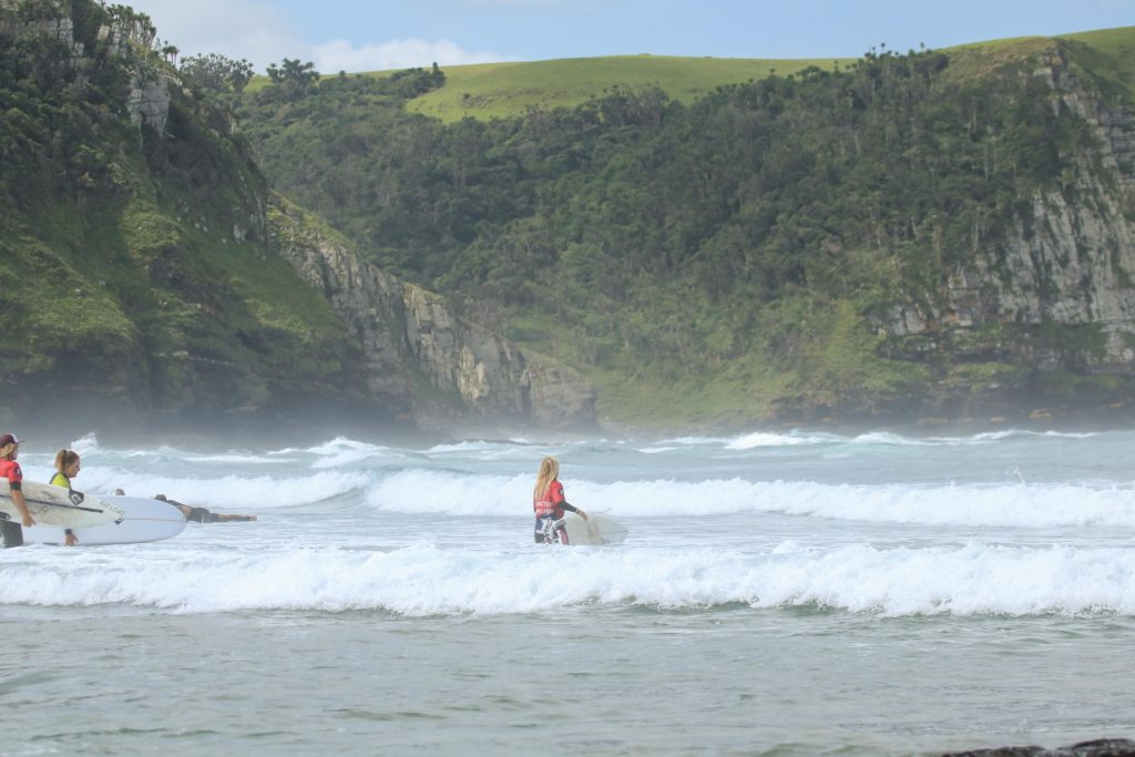 surfing coffee bay waves