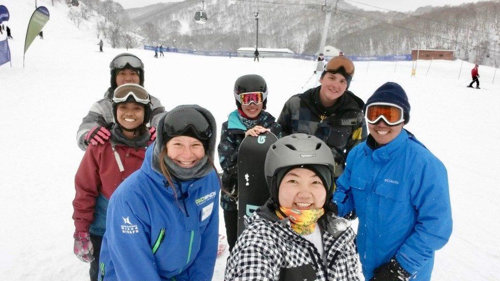 teach skiing niseko