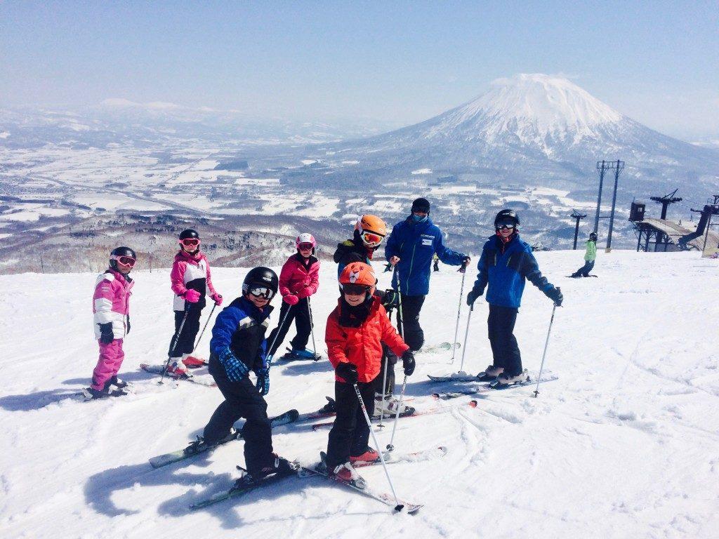 ski instructor niseko teach children